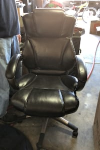 Leather office chair. 11 months old Las Vegas, 89147