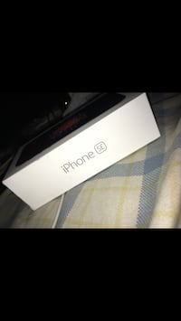 UNLOCKED iPhone SE Glenarden, 20706