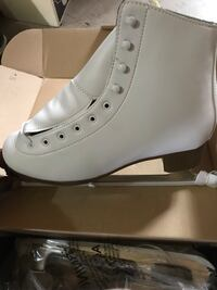 DBX Traditional Women's Ice Skate Brand New NEVER BEEN USED SIZE 10 New York, 10468