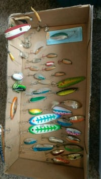 assorted color fish lure lot Cadillac, 49601