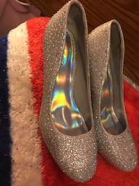 Silver Dress shoes Williamsport, 21795