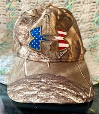 UNDER ARMOUR camo AMERICAN FLAG snap back HAT *not worn, hung on wall. VERY CLEAN Leominster, 01453