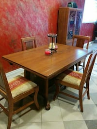 Antique 9 piece dining room Windsor, N8X 2R6