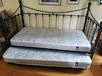 Daybed w trundle and mattresses 300 170 mi