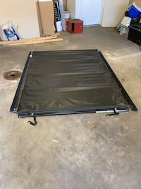 2011-2016 Ford F-250/ F-350  tonneau cover East Providence