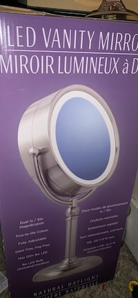 Led vanity mirror (medium-large) new