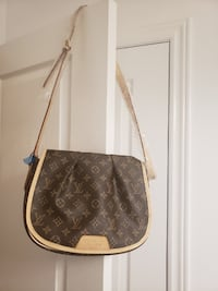Small cross body handbag  Markham