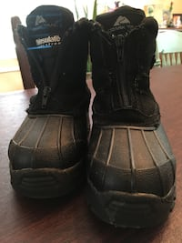 Size 2 youth waterproof duck boots shoes Winston-Salem