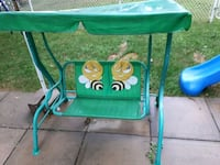 green and white Graco pack n play Charlemagne, J5Z 3E1