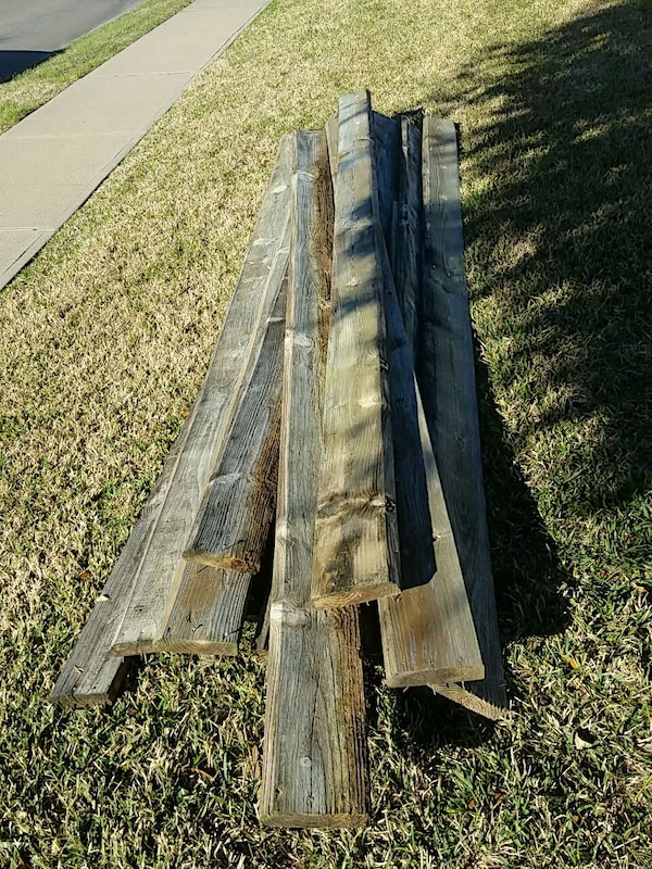 2x6x10 old but good cedar boards and fence pickets