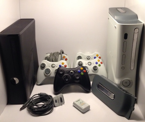 Xbox 360 Elite And Xbox 360 Slim Console With Controllers Usage A