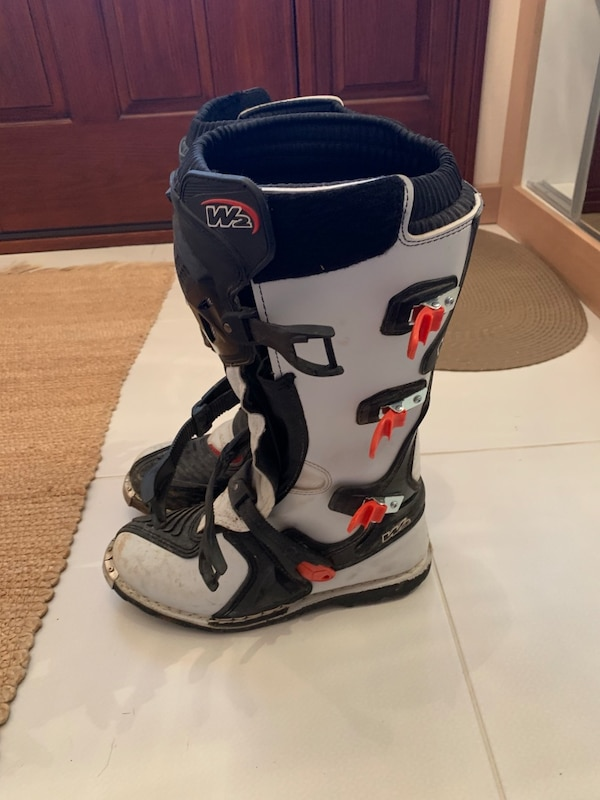 W2 Motocross Boots 1