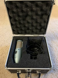 AKG Perception 200 Microphone. Silver Spring, 20910