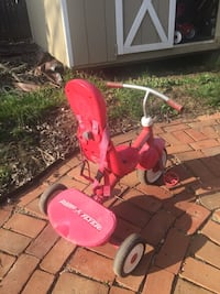 toddler's red and white Radio Flyer recumbent trike Remington, 22734