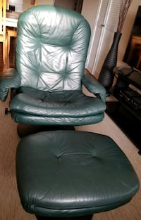 Genuine leather recliner with ottoman  Richmond Hill, L4C 9S5