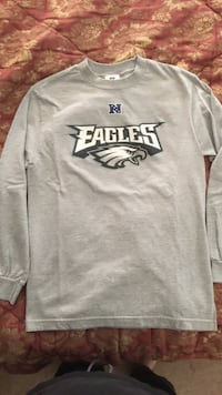 Eagles long sleeve t-shirt Adult small Schuylkill Haven, 17972
