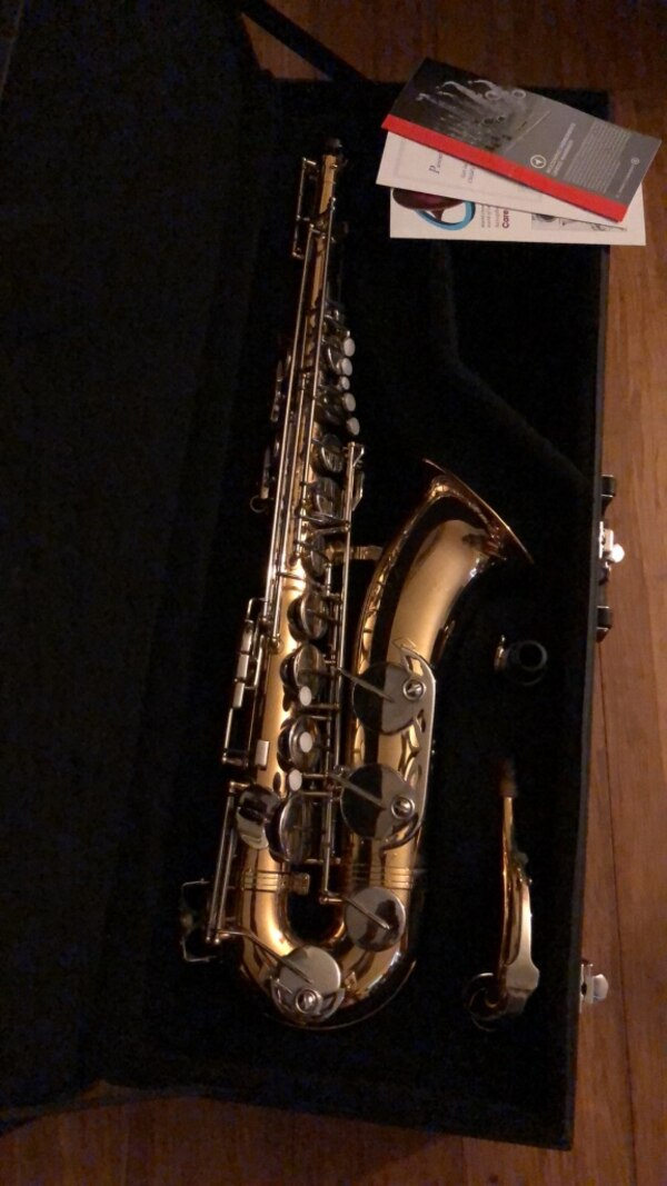 Lightly used tenor saxophone. Great for student. Will take best reasonable offer