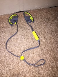 wireless beats brand new haven't been used just opened