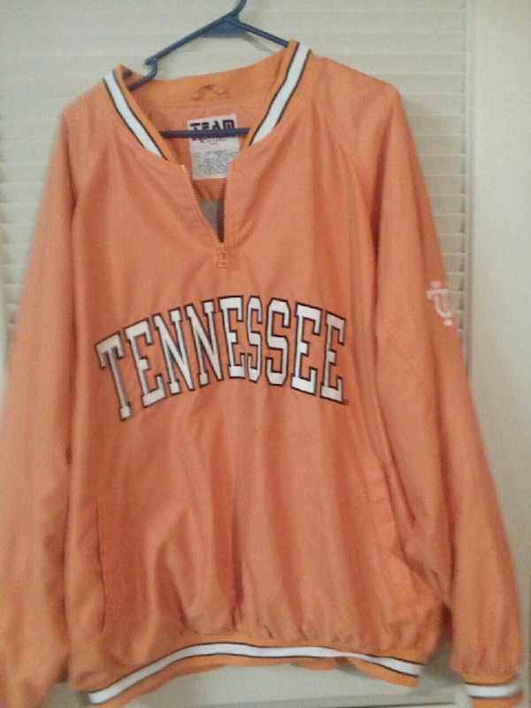 be19fe93 2x University of Tennessee pullover football jacke