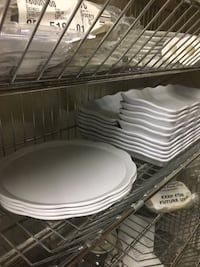 ASSORTED MELAMINE WHITE FOOD TRAYS Toronto, M1W 1H5