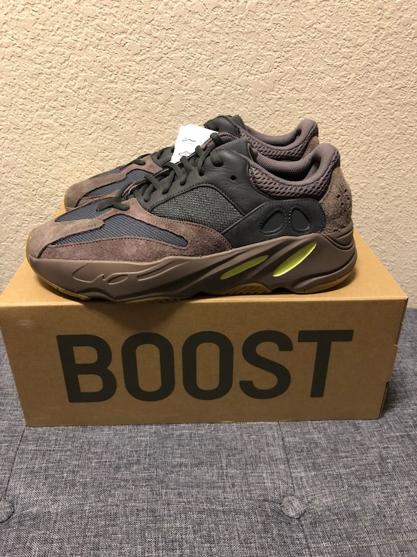 """1ee25bec7 Used Yeezy 700 """"Mauve"""" Size 10.5 for sale in Rockwall - letgo"""