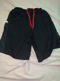 Selling tap out shorts size medium only $10 Toronto, M5V 3A9