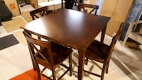 dining set, like new, with 4 chairs London, N6P 1V7