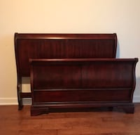 Classic Solid Wood Queen Sleigh Bed Dallas, 75231