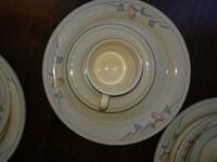 Fine China 5 plate setting  Reston, 20190