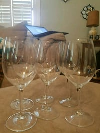 6 wine glasses  Wilmington, 28401