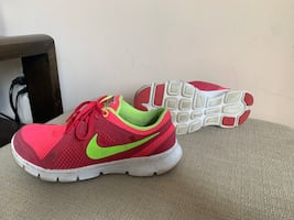 Nike  running shoes 4youth $20