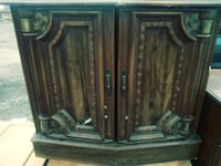 brown wooden wall cabinet Detroit, 48238