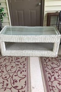 Wicker shadow box coffee table Knoxville, 37919