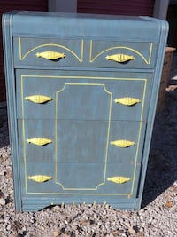 Vintage Chest of Drawers Lorain