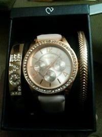 Watch and 2 braclets 1700 mi
