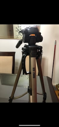 """MX 2000 Tripod Full Size 61"""" With Carrying Case Reston, 20190"""