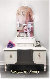 Charming Child/Youth Antique Solid Wood Vanity!  Whitby, L1P 1L9