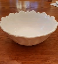 Vintage milk glass serving bowl Annandale, 22003