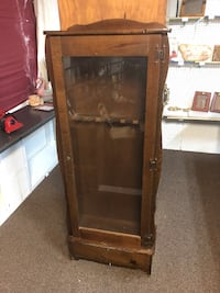 brown wooden framed glass display cabinet Newark, 43055
