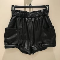 Brand new Aritzia Wilfred leather shorts size xxs (can fit Xs) Markham, L3S 4J6