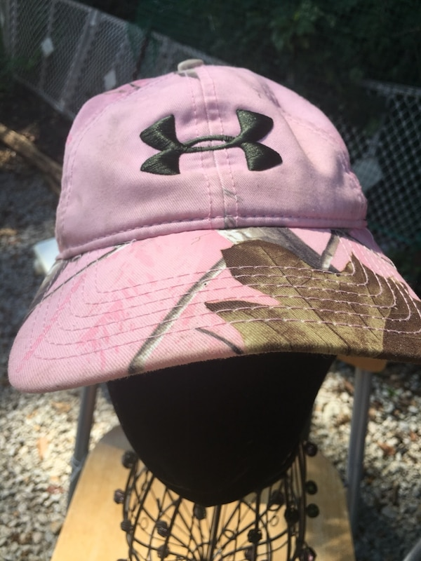 Used Under Armour Women s Pink Camo Hat  8 for sale in McDonough - letgo ed88cee76dbc
