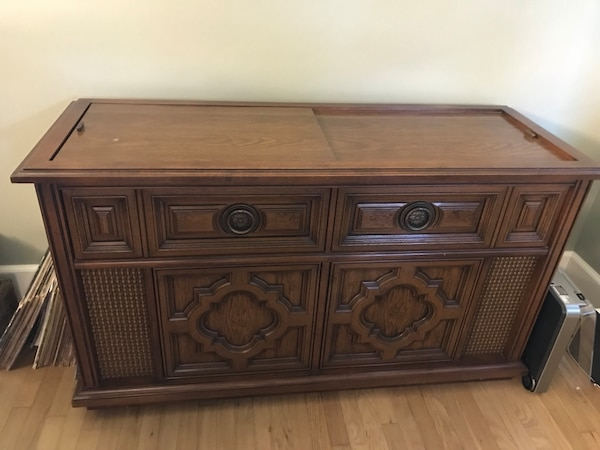Magnavox Console Record Player And Radio We Switched The Broken Out For