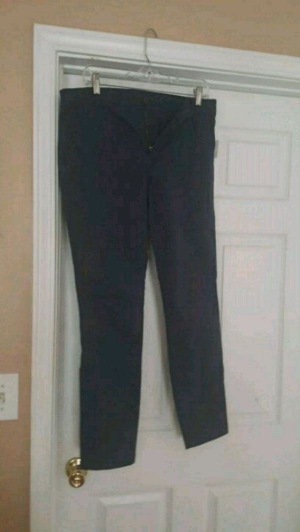 Used Brand new Old Navy skinny leg pants for sale in Snellville - letgo 0273d80dc