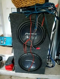 2 12 inch pioneer subs and two boxes