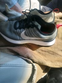 nike shoes Grove City, 43123