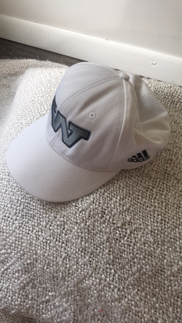 4e1c828d7172d Used white and black New York Yankees cap for sale in New York - letgo