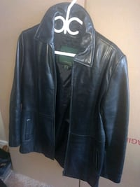 danier women's black leather jacket size 8 .. $30.00 Kitchener