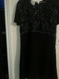 black and gray scoop neck dress Niagara-on-the-Lake, L0S 1J0
