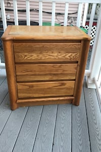 Nightstand/bedside table/small dresser Somerville, 02144