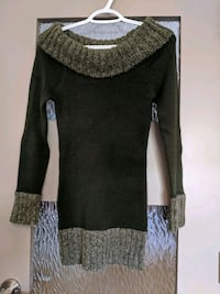 Long two tone green sweater/ off shoulders Calgary, T2E 0B4